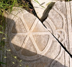 Cracked Stone depiction of the ICHTHUS wheel in Ephesus